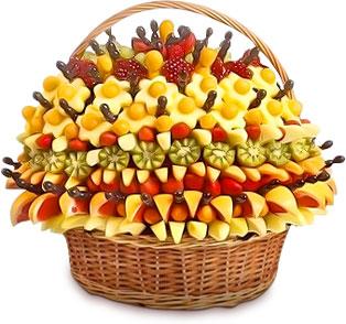 Большие букеты из фруктов